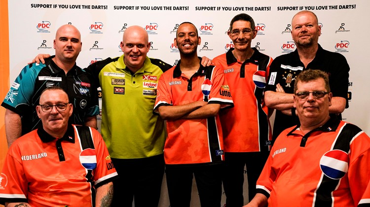 Support if you love darts – Arie en van Gerwen